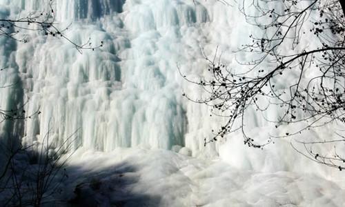 观京北壮观冰瀑群,桃源仙谷徒步、登山、摄影,观奇景一线天活动